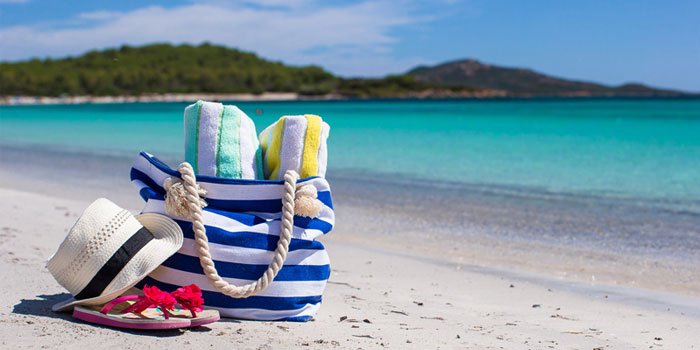 How to choose a beach bag